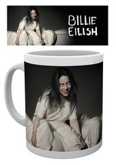 Mg3693-billie-eilish-bed-mockup