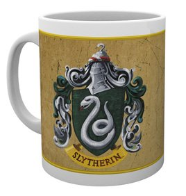Mg1946-harry-potter-slytherin-characteristics-mug