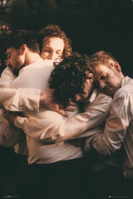 LP2106 THE 1975 hug