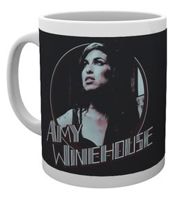 Mg2519-amy-winehouse-retro-badge-mug