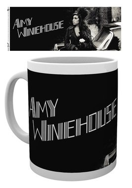 Mg2520-amy-winehouse-car-mockup