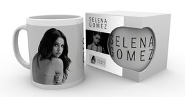 Mg2415-selena-gomez-white-product