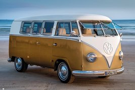 Ph0558-vw-gold-kombi-iii