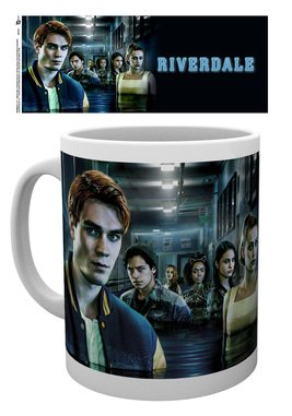 Mg3511-riverdale-key-art-hall-way-mock-up