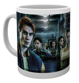 Mg3511-riverdale-key-art-hall-way-mug