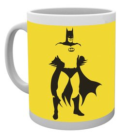 MG0744-DC-COMICS-batman-stand-MUG